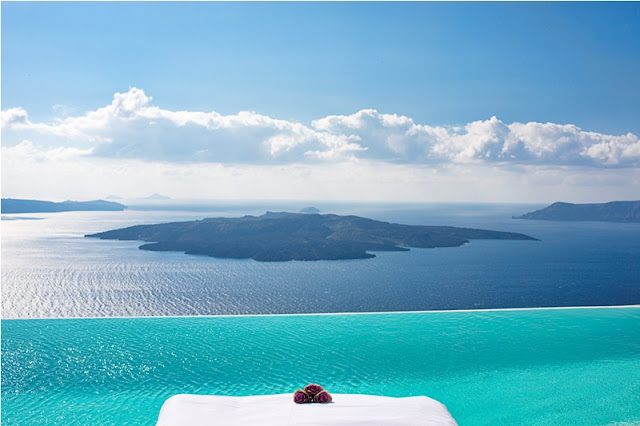 Infinity Pool in Grecia