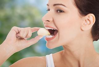 فوائد عظيمة للثوم ستجعلك لن تتخلى عن أكله كل يوم