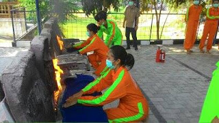 pelatihan fire fighting