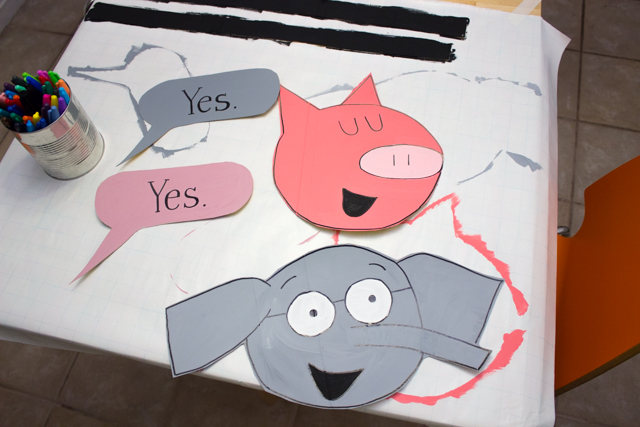 how to make elephant and piggie costume for Halloween (recycled cardboard + free!)
