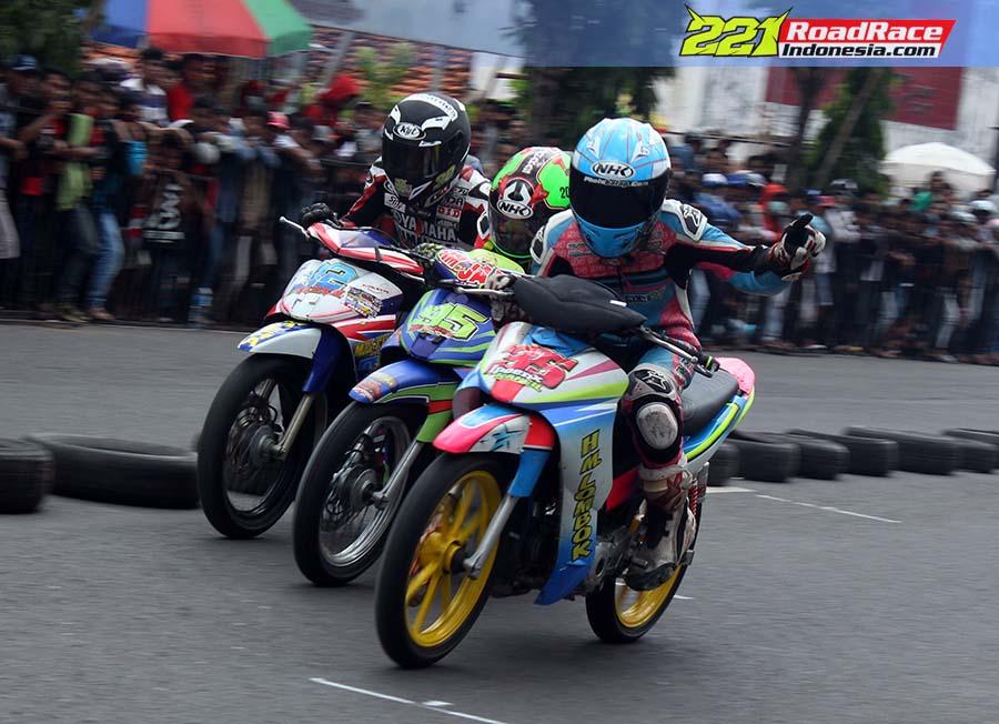 Mengintip Aksi Para Jawara di Kejurda Road Race Tanah Madura