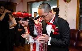 Cô dâu trước khi về nhà chồng