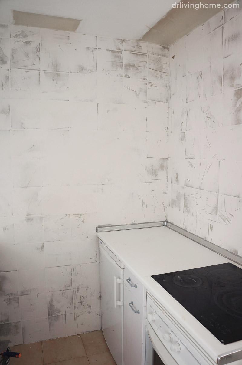 Pabla en casa cocina transformada con poco presupuesto - Pintar sobre azulejos cocina ...