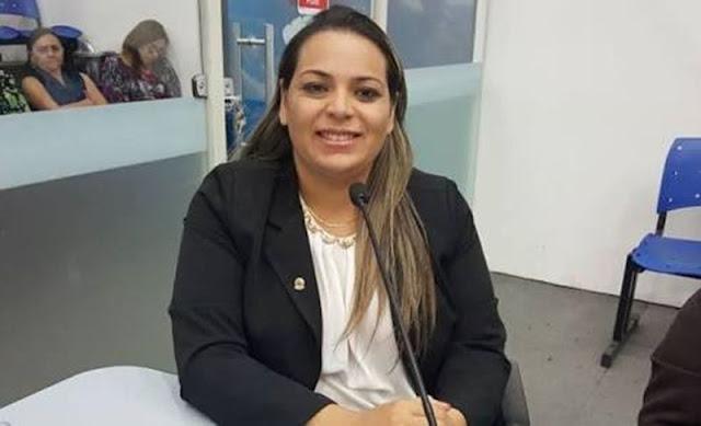ESCUTE: Vereadora que pediu afastamento de Prefeito vai pedir arquivamento do processo contra Vice