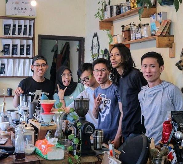 Cafe Rolag Surabaya