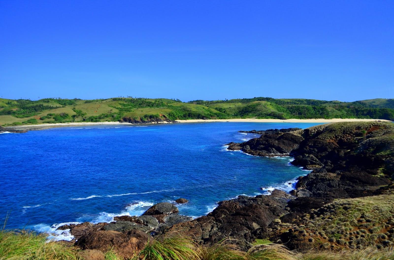 Pinagtapakan Island, Calaguas, Camarines Norte cliff view