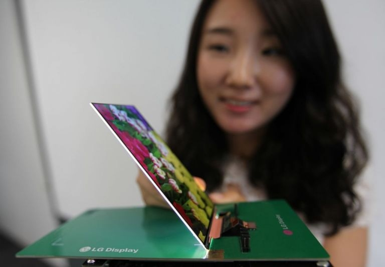 LG has introduced a 5.2-inch LCD Full HD screen smartphone with a thickness of 2.2 mm.