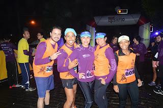 Mais de 500 atletas participam da corrida de rua 'Teresópolis By Night'