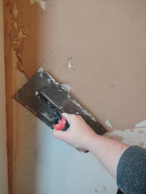girl plastering