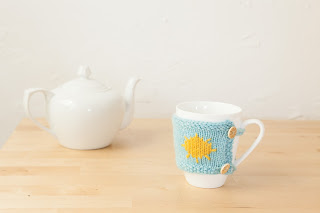 mug cozies, weather, yarn, knitting, blue, sunshine