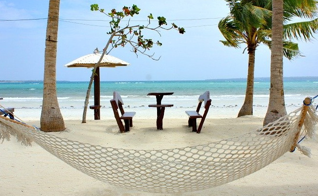 Xvlor Bantayan Island is a stretch of white sand surrounded by turquoise waters