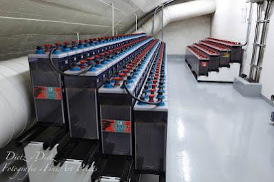 Batterien der Notstromversorgung der Notlichter und Lichtsignal- anlagen - Lüftungszentrale Hospental (LHO)