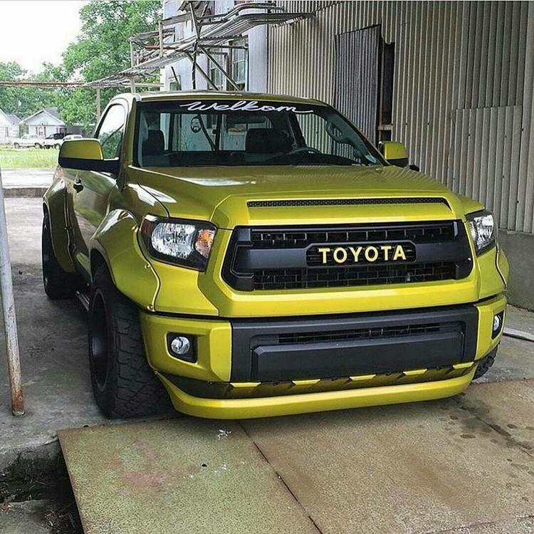 Toyota Tundra slammed Trd