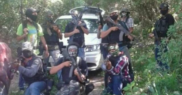 Zetas desaparecían gente con equipo prestado de Policías y los uniformados entregaban personas detenidas al cártel para ser ejecutados y disolvimos hasta por grabarlos te entregaban