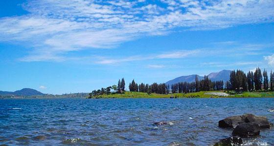 Danau Kembar Objek wisata danau di kabupaten solok