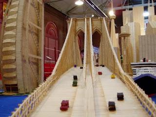 Puente con palillos para dientes o Picadientes de madera