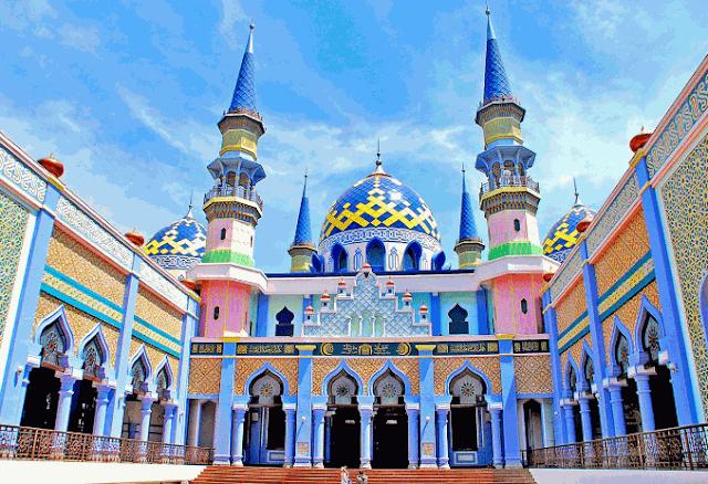 Objek Wisata Religi Di Jawa Timur Yang Sering Di Kunjungi Wisatawan