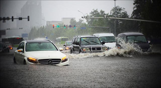 5 kỹ năng cơ bản để lái xe an toàn mùa mưa bão tại Việt Nam
