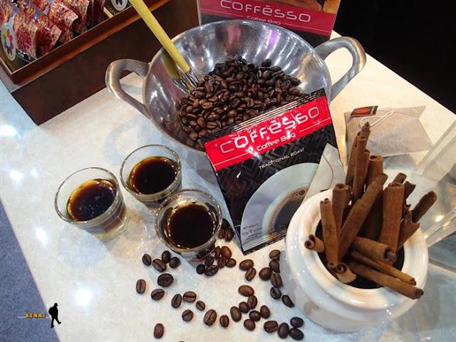 Antara Travelling, Kopi, dan Kita, Ada Kopi Celup Coffesso