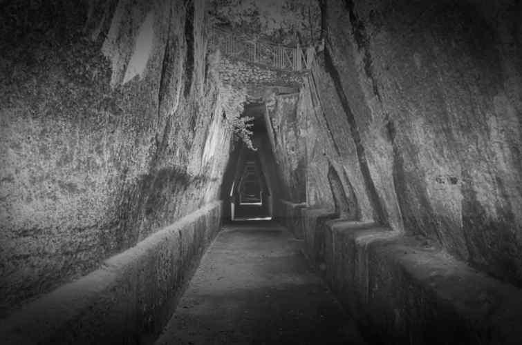Taman Arkeologi Cumae, Italia