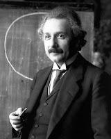 Goresan Kecil Tentang Kecepatan Cahaya & Relativitas Khusus