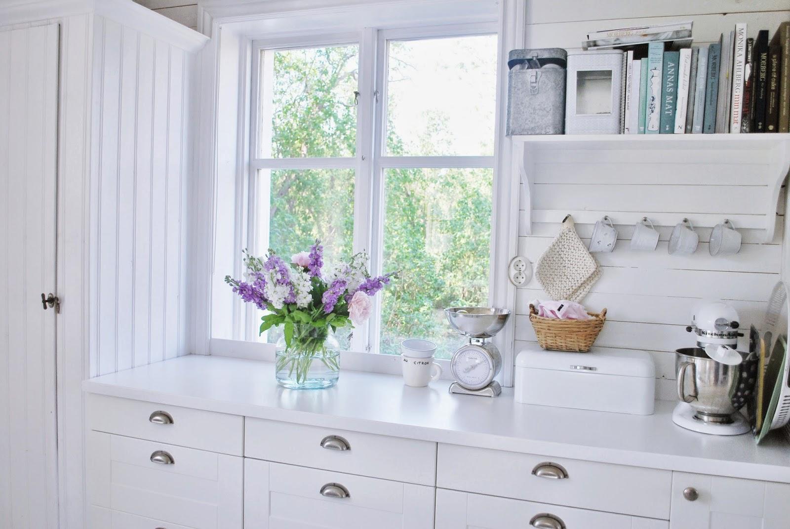 lovely deco une jolie maison dans la campagne. Black Bedroom Furniture Sets. Home Design Ideas