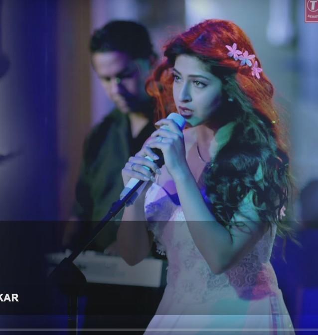 Royi ankhein royi song lyrics english translation moive saansein