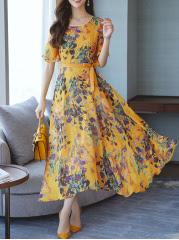 https://www.fashionmia.com/Products/round-neck-belt-printed-maxi-dress-214757.html
