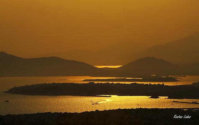 Ηλιοβασίλεμα στον Σαρωνικό ,απογευματινή φωτογραφία Κώστας Λαδάς