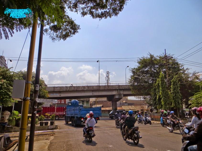 Pasar Loak Comboran Petualangan Malang