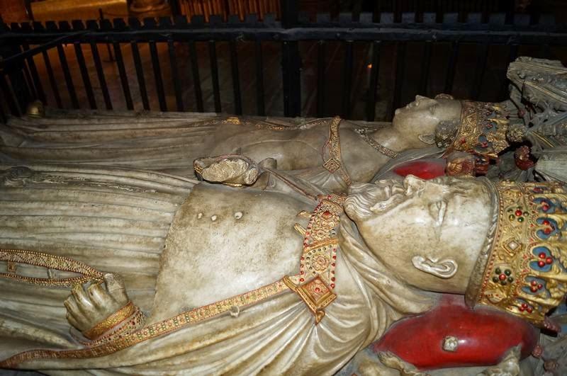 tumbas como las del rey Enrique IV y Juana de Navarra