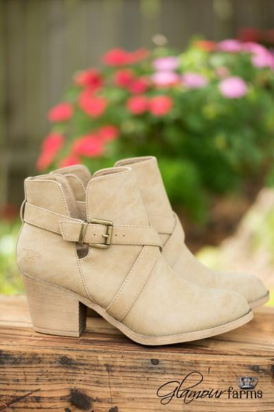 Fall-dresses-boots-glamour-farms-athomewithjemma