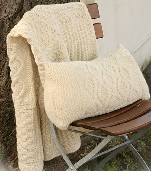 Knitted Cushion Cover with Cables - Free Pattern