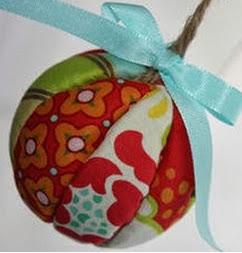 http://manualidadesnavidad.org/como-hacer-esferas-de-navidad/