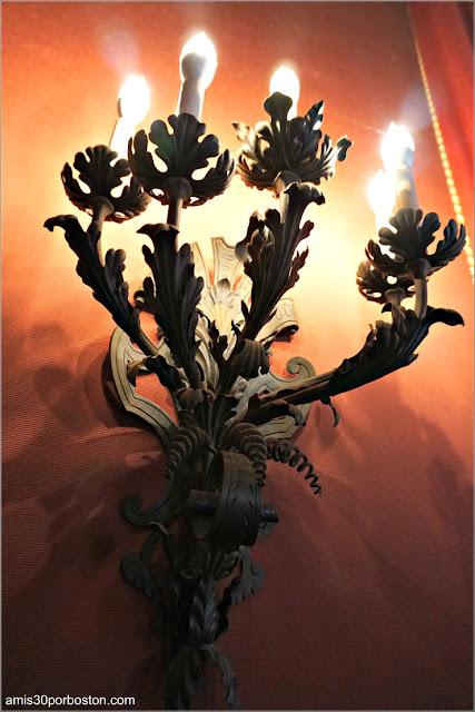Lámpara del Dormitorio de Consuelo en Marble House, Newport