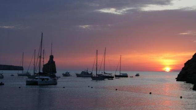 Foto Ibiza Island, Kebenaran Tentang Pulau Di Spanyol Ini