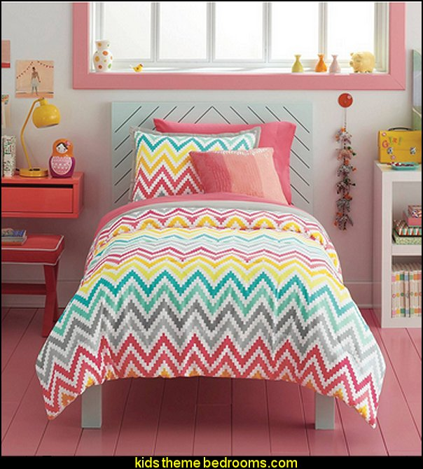 zig zag bedroom decorating ideas - Zig Zag wall decals - Chevron bedroom decorating ideas - zig zag wallpaper mural - zig zag decor - Chevron ZIG ZAG print - Herringbone Stencil - chevron bedding - zig zag rugs -