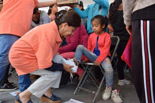 Inicia gobierno de Cholula entrega de calzado