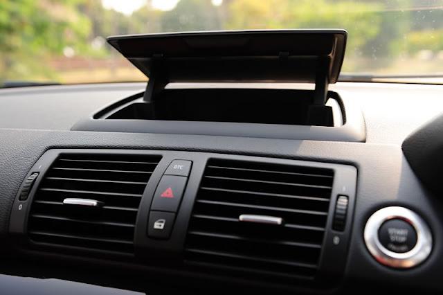 วิธีทำให้รถแอร์เย็นฉ่ำ ไม่เหม็นอับ ขับรถไม่ร้อน หงุดหงิด