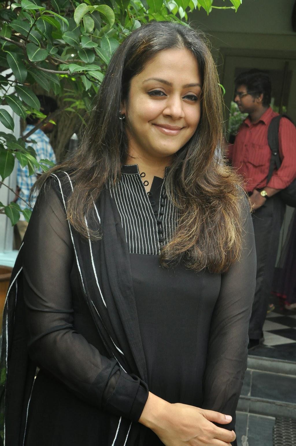TamilCineStuff | : Jyothika Photos in Black Dress at ...