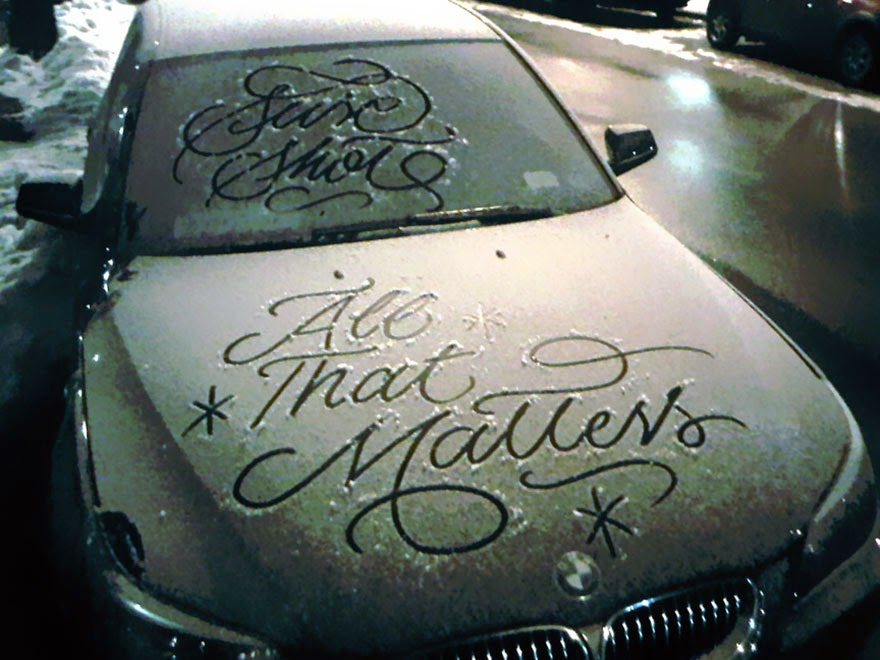 Mysterious Street Artist Leaves Beautiful Typographic Messages On Snow-Covered Cars