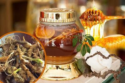 Uống nước mật ong sâm Ngọc Linh