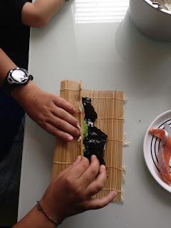 Kinder in der Küche: Sushi selber machen