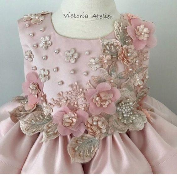 aprende cómo hacer hermosas flores de tela para decorar vestidos