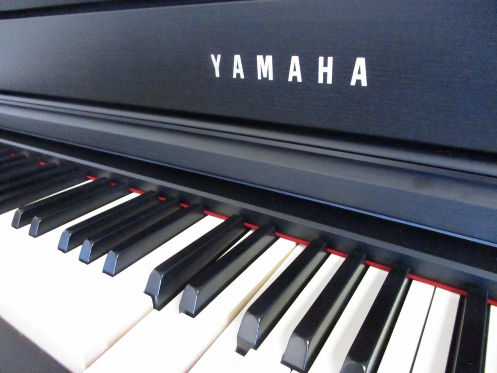 Az piano reviews review yamaha clp535 clp545 clp575 for Yamaha piano com