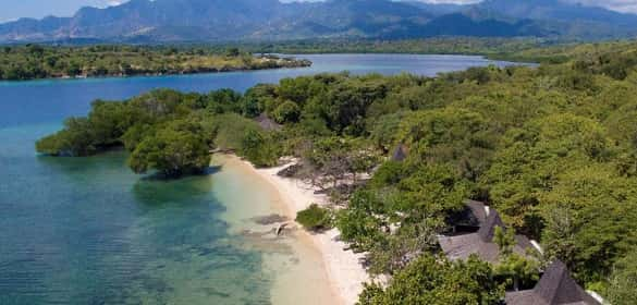 Destinasi Wisata ala bacpacker di Bali Taman Nasional Bali Barat