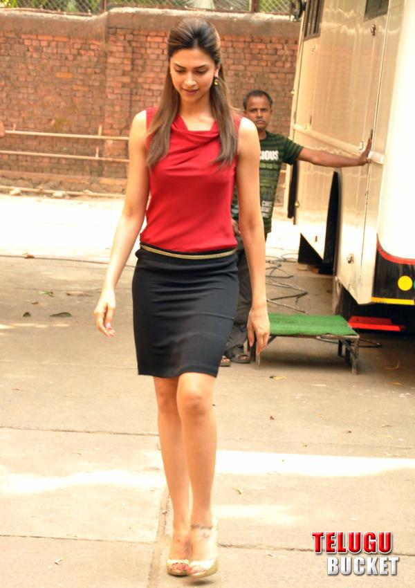 South Spice: Deepika Padukone With Desi Boys
