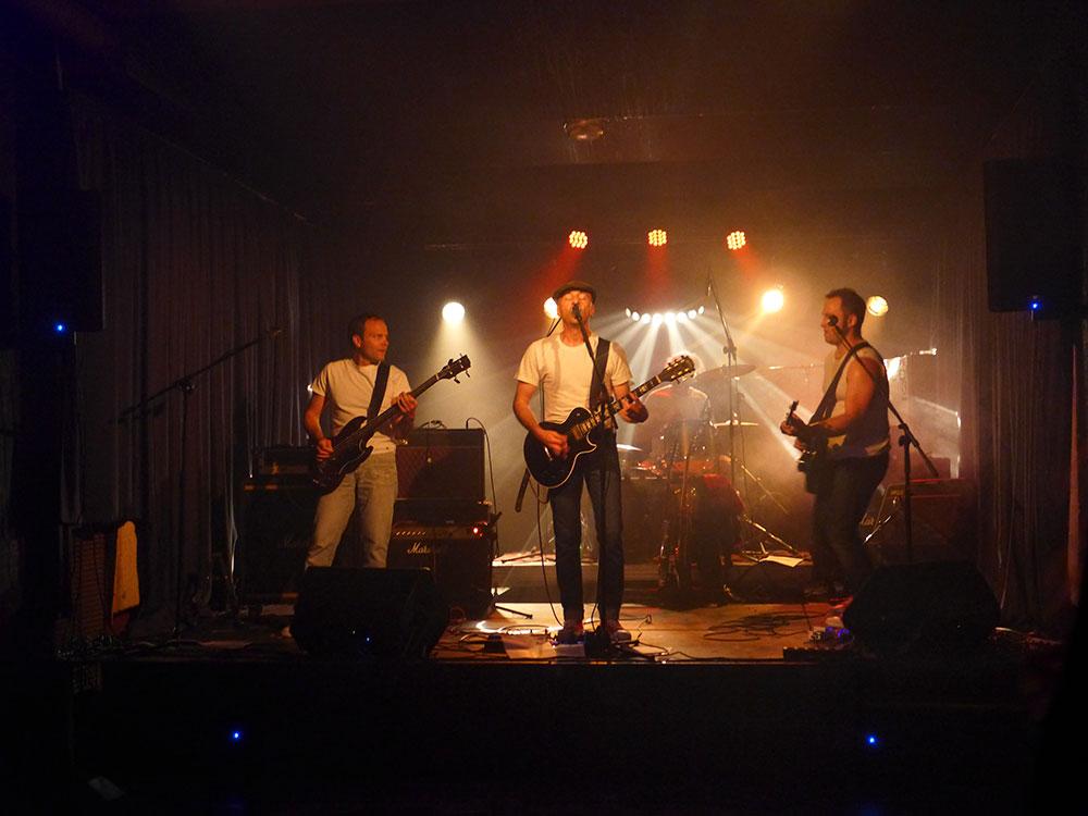Le groupe de rock, les British Taxi Crash