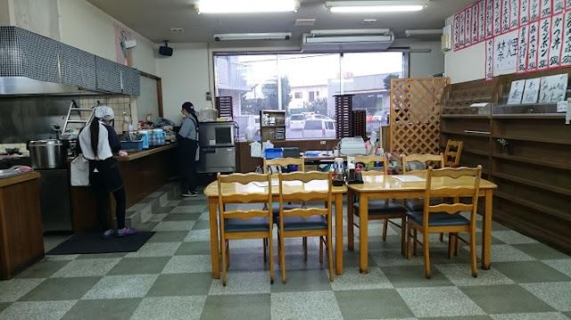 天願食堂の店内の写真