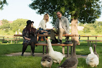 Wilson Laura Dern, Woody Harrelson and Isabella Amara Image 1 (3)